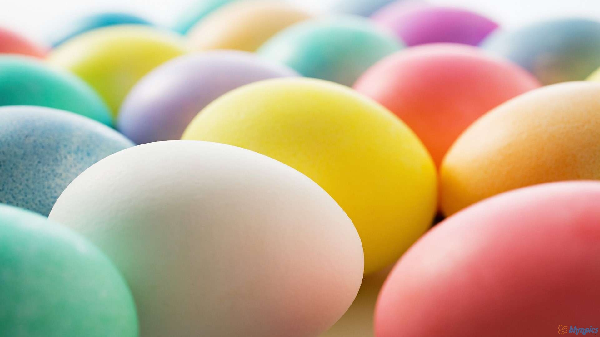Colorful Easter Eggs Wallpaper High Definition