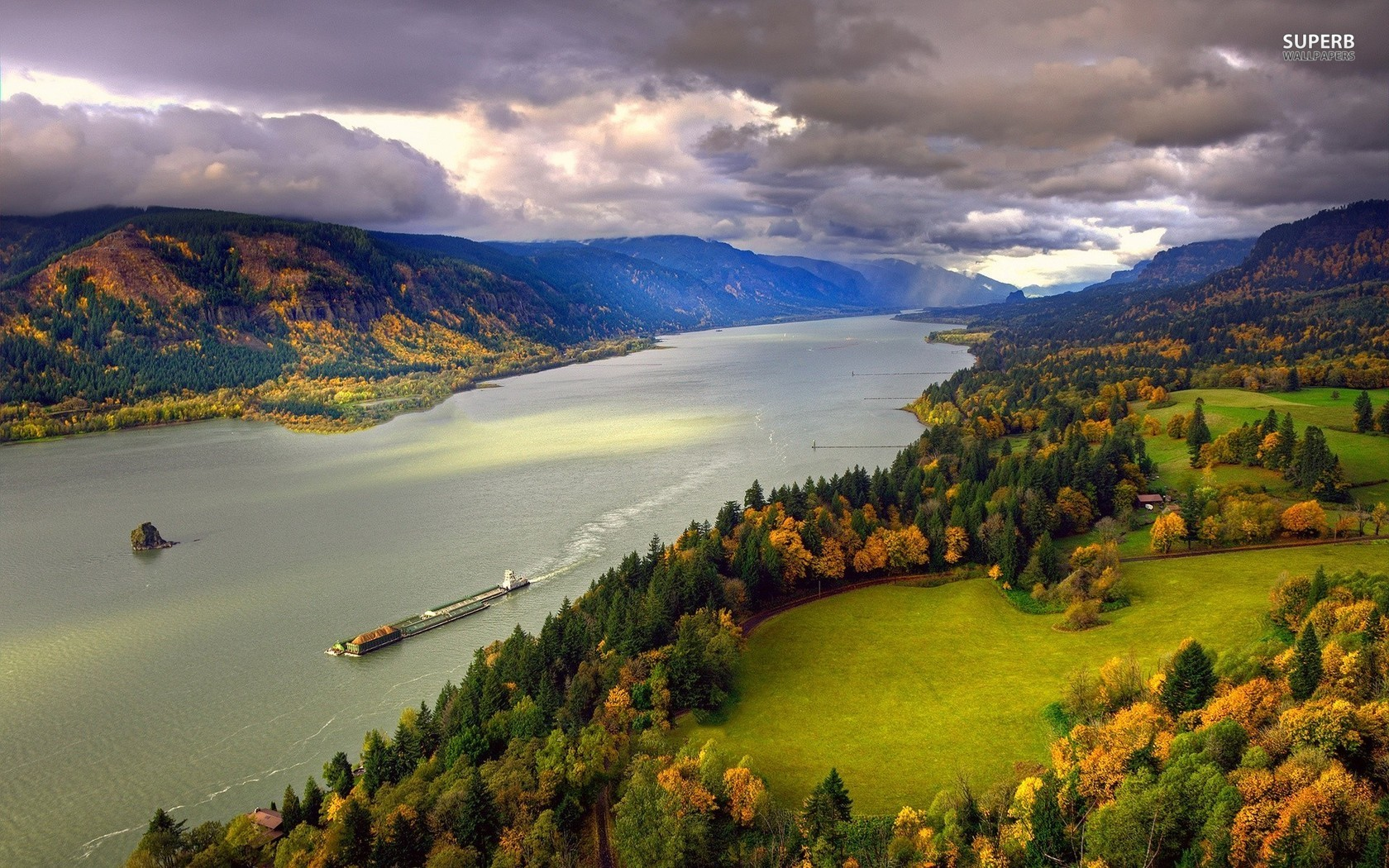 Columbia River wallpaper 1680x1050