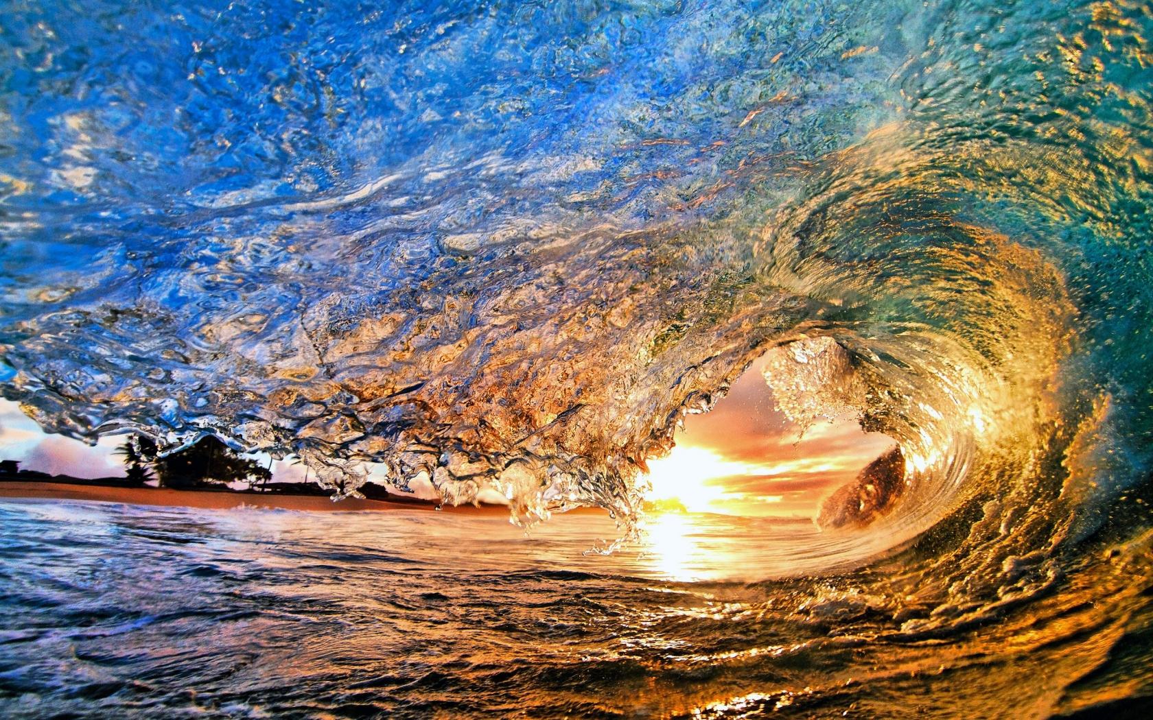 Cool Beach Wave Wallpaper