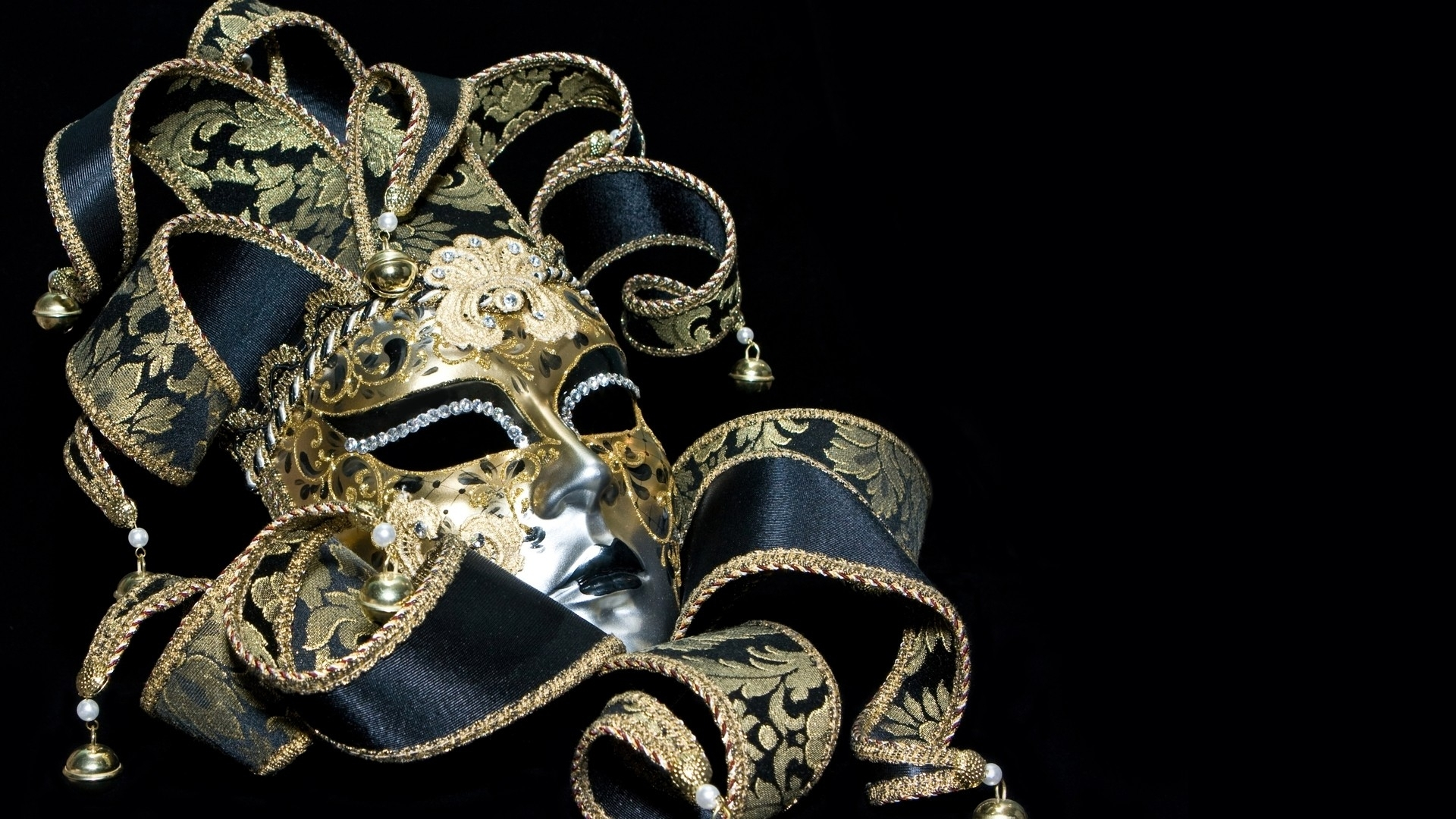 Cool Masquerade Mask Wallpaper
