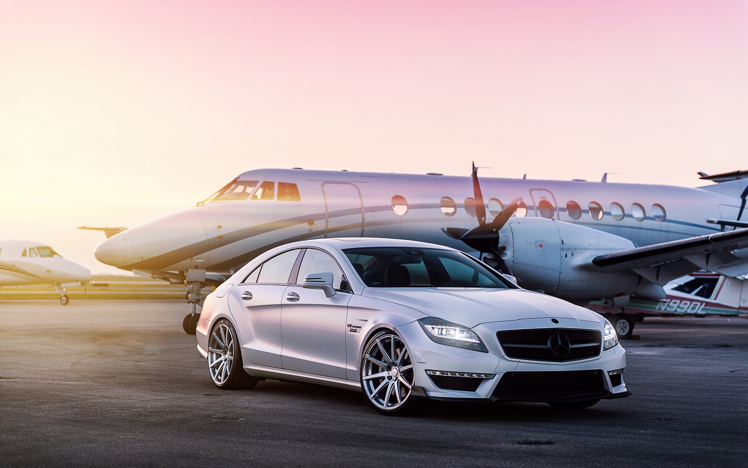 Mercedes Benz CLS63 AMG HD Wallpaper. Download 2560 × 1600, 841 KB