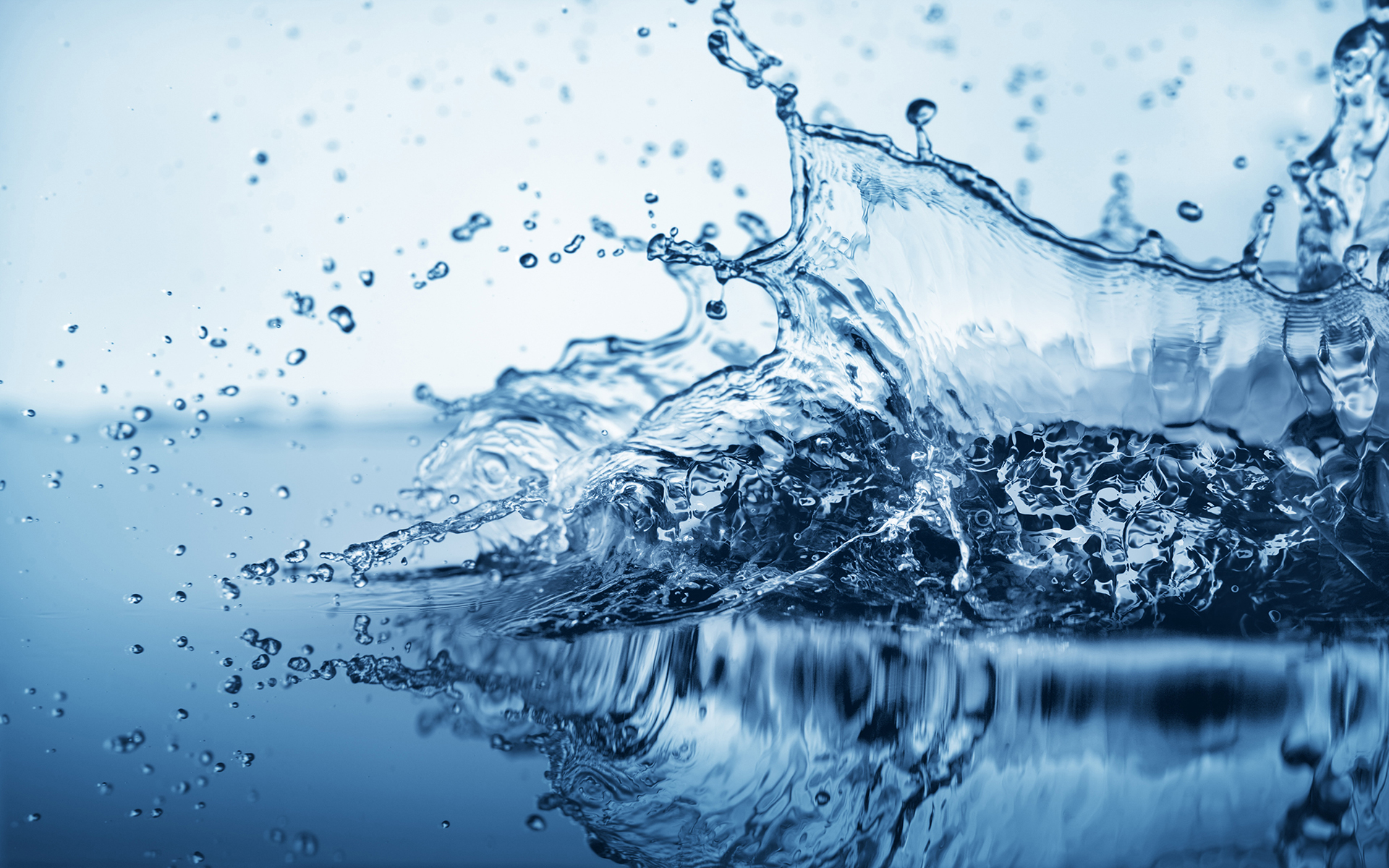 Cool Water Splash - HD Wallpapers