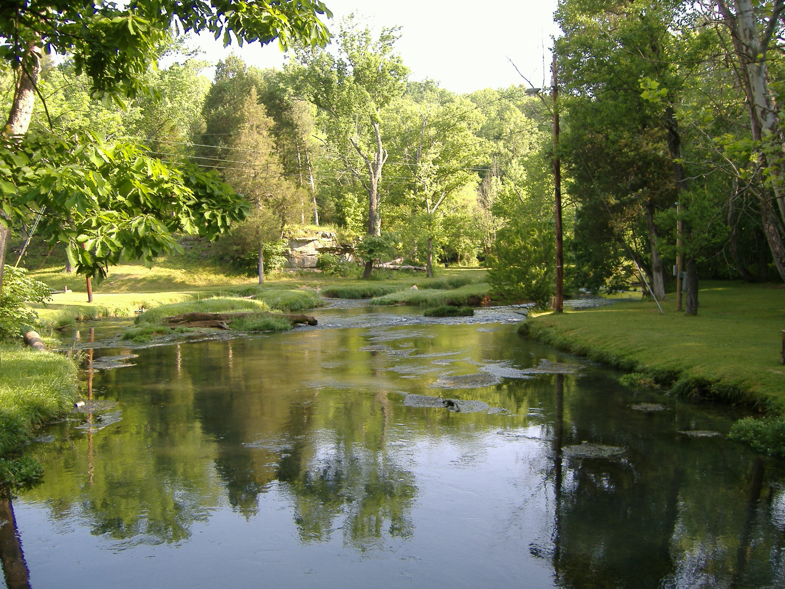 File:Doe Run Creek.jpg