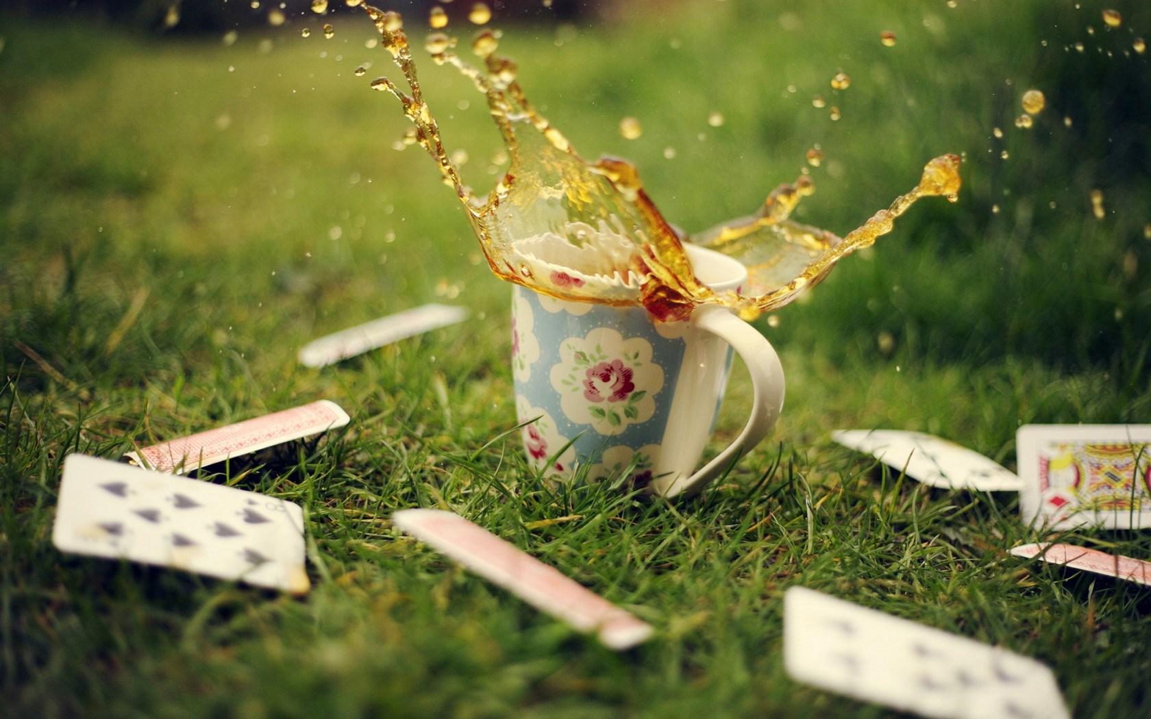 Cup Mug Tea Spray Splash Drops
