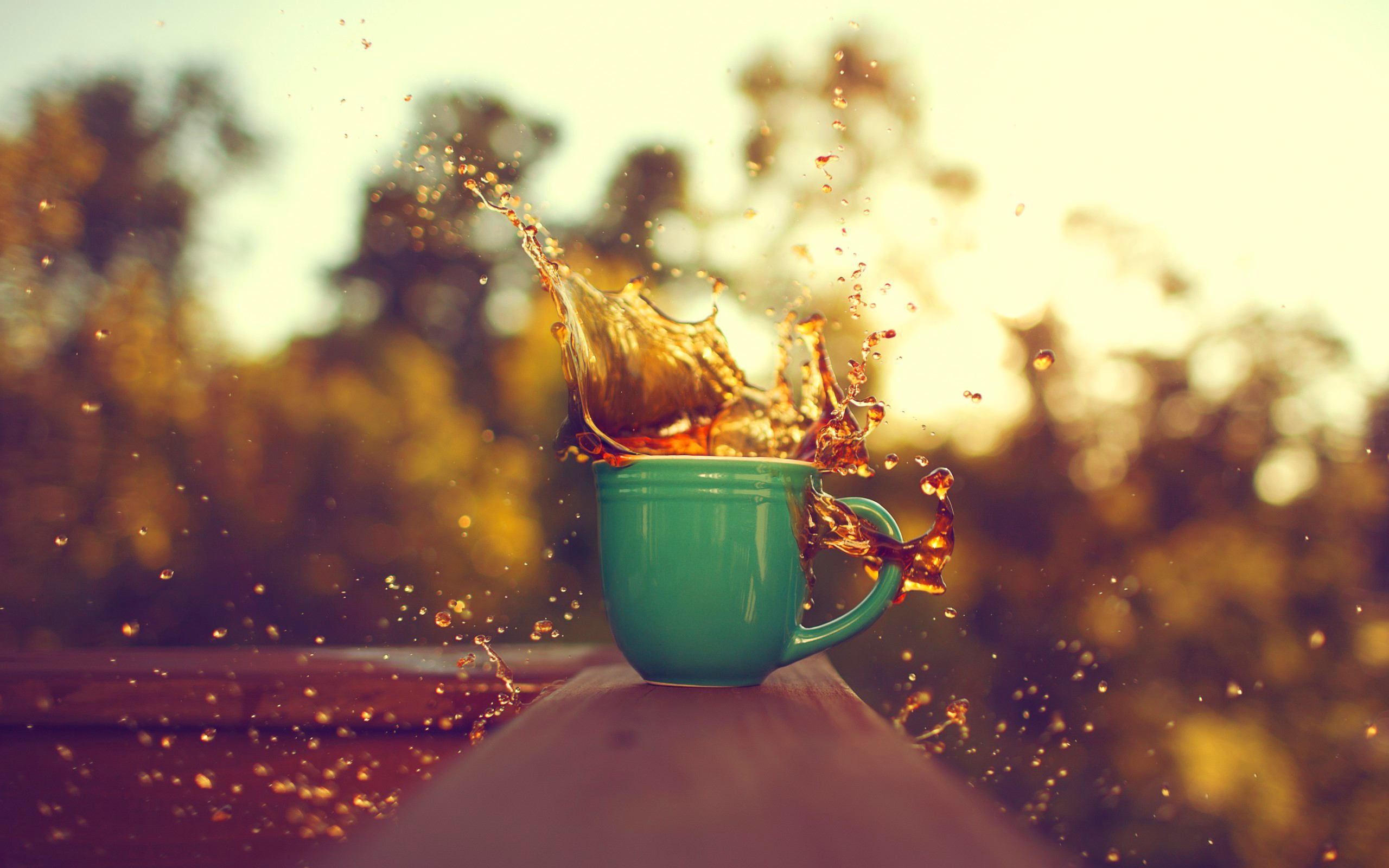Cup splash