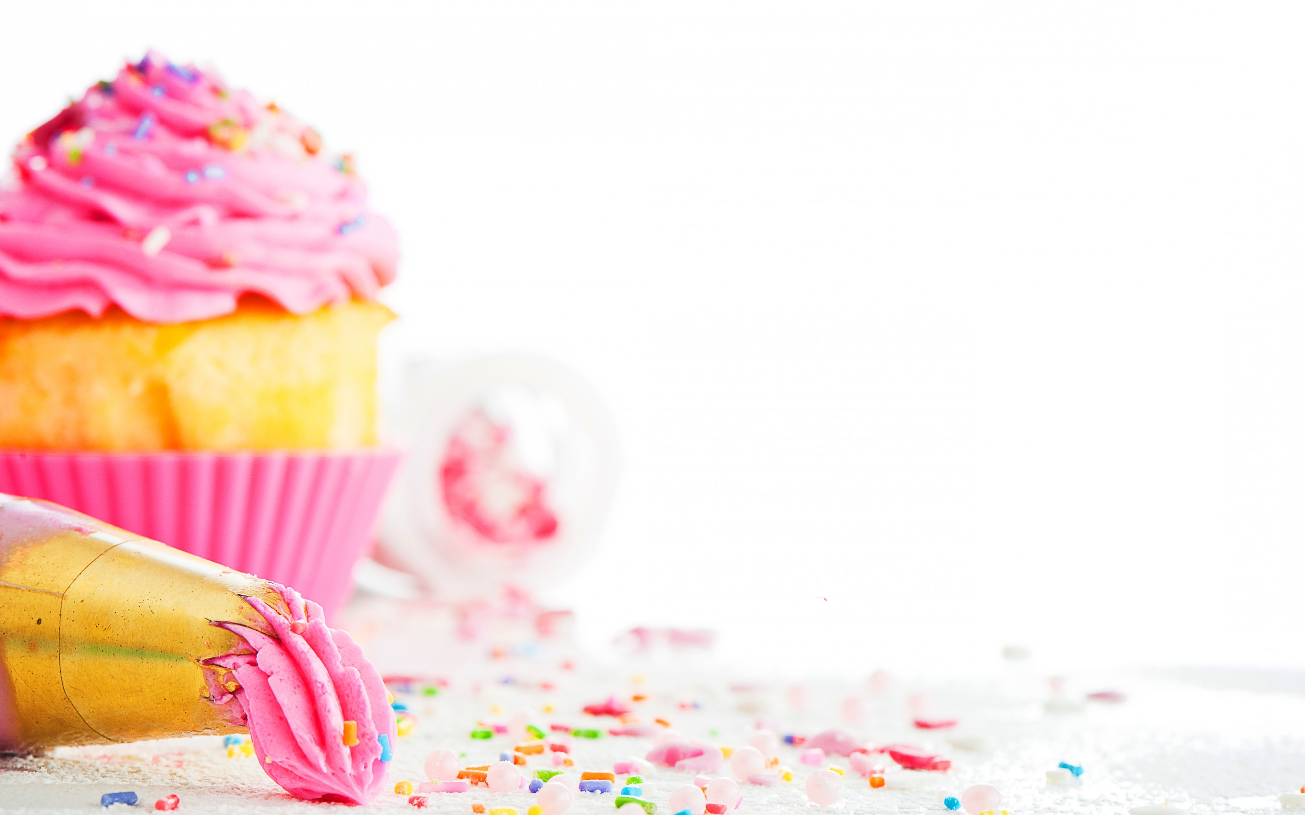 Views: 2772 Cupcake Wallpaper 20726