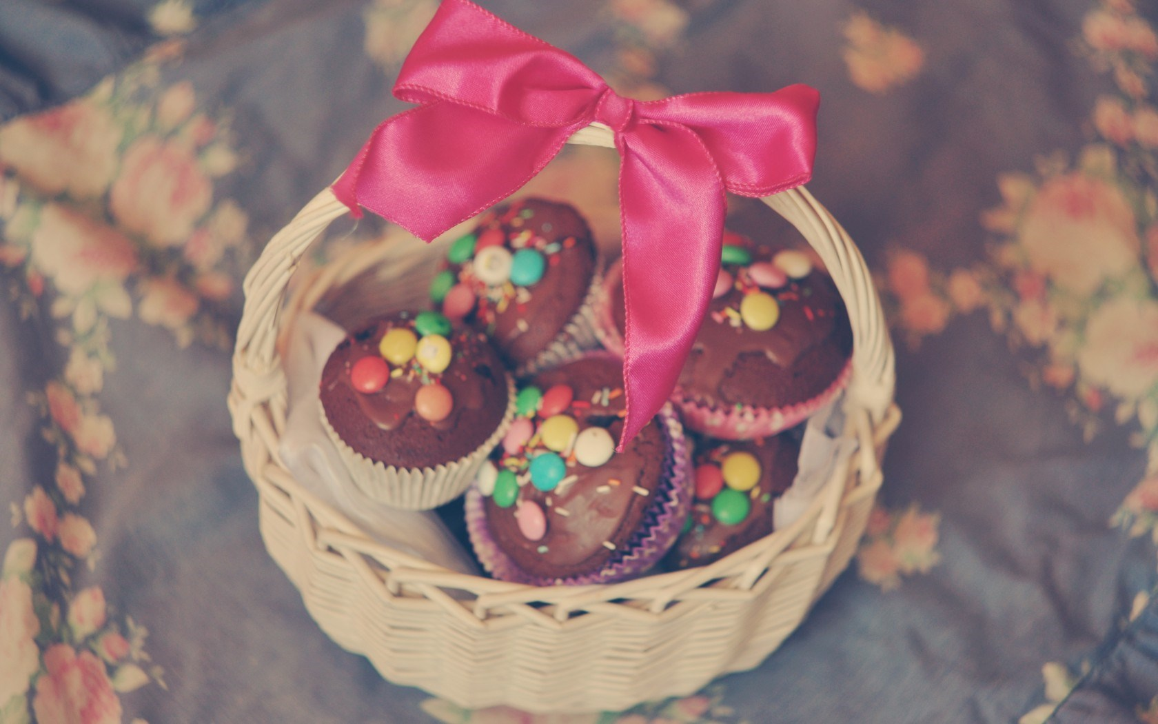 Cupcakes Basket Bow