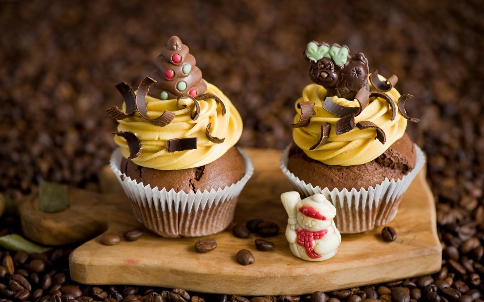 Cupcakes Cream Chocolate Snowman Christmas Tree Deer Dessert