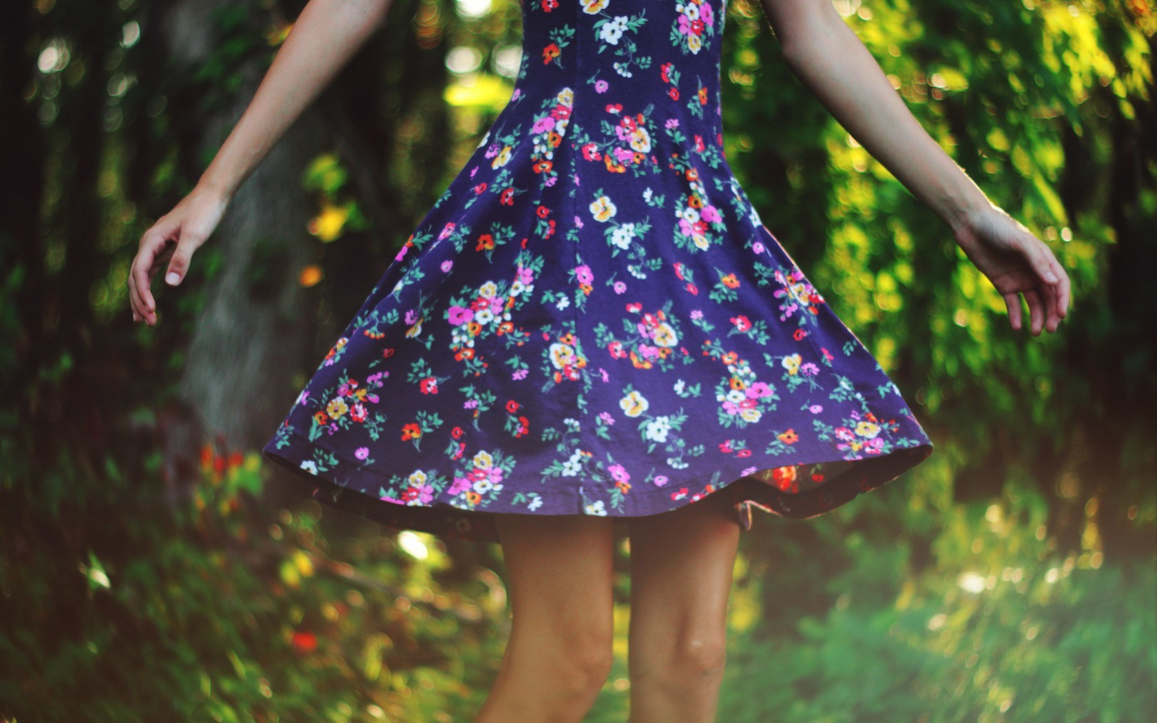 Cute Floral Dress Wallpaper