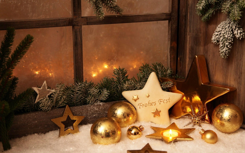 Cute Holiday Candles Wallpaper