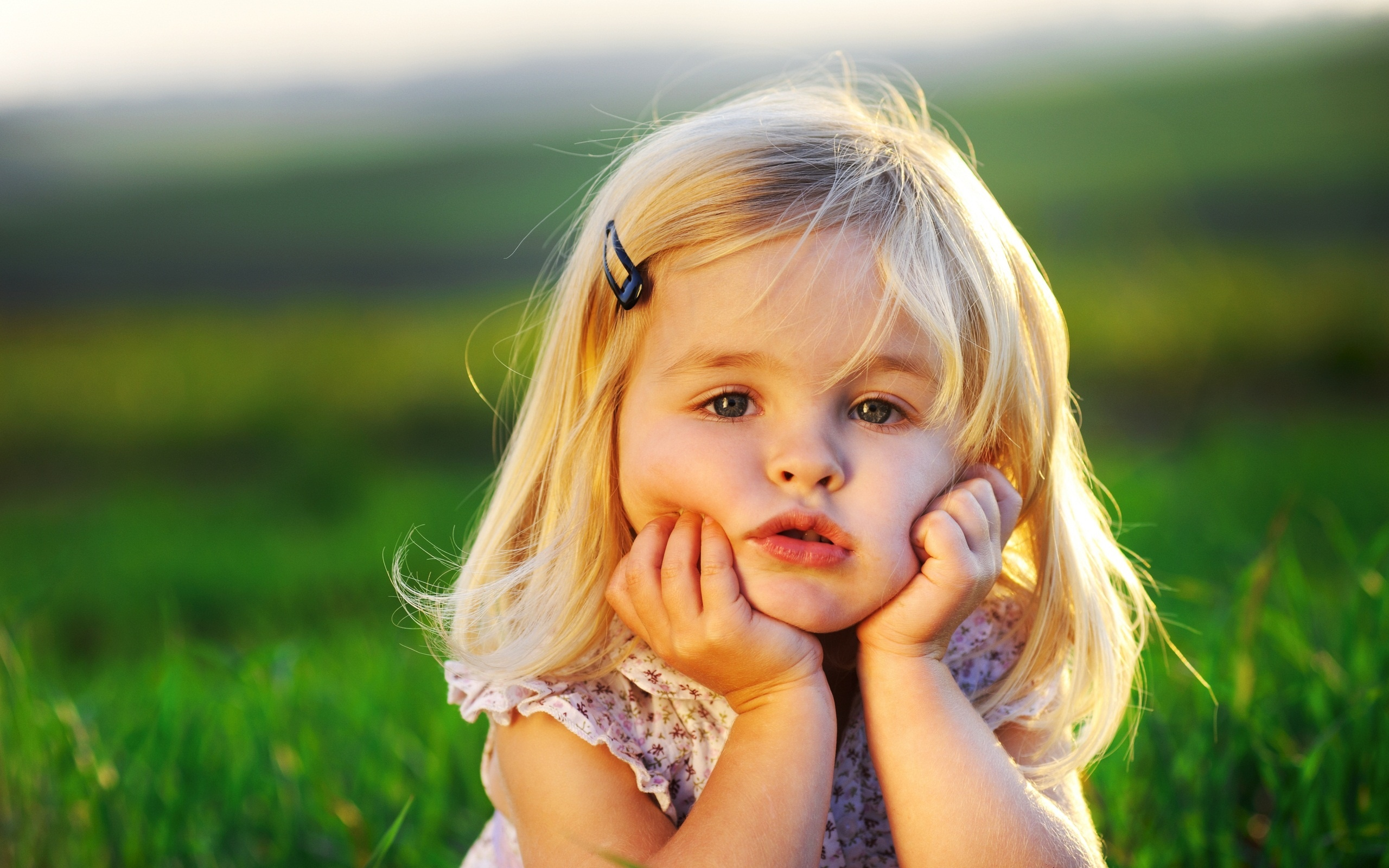 Cute Little Girl Wallpaper