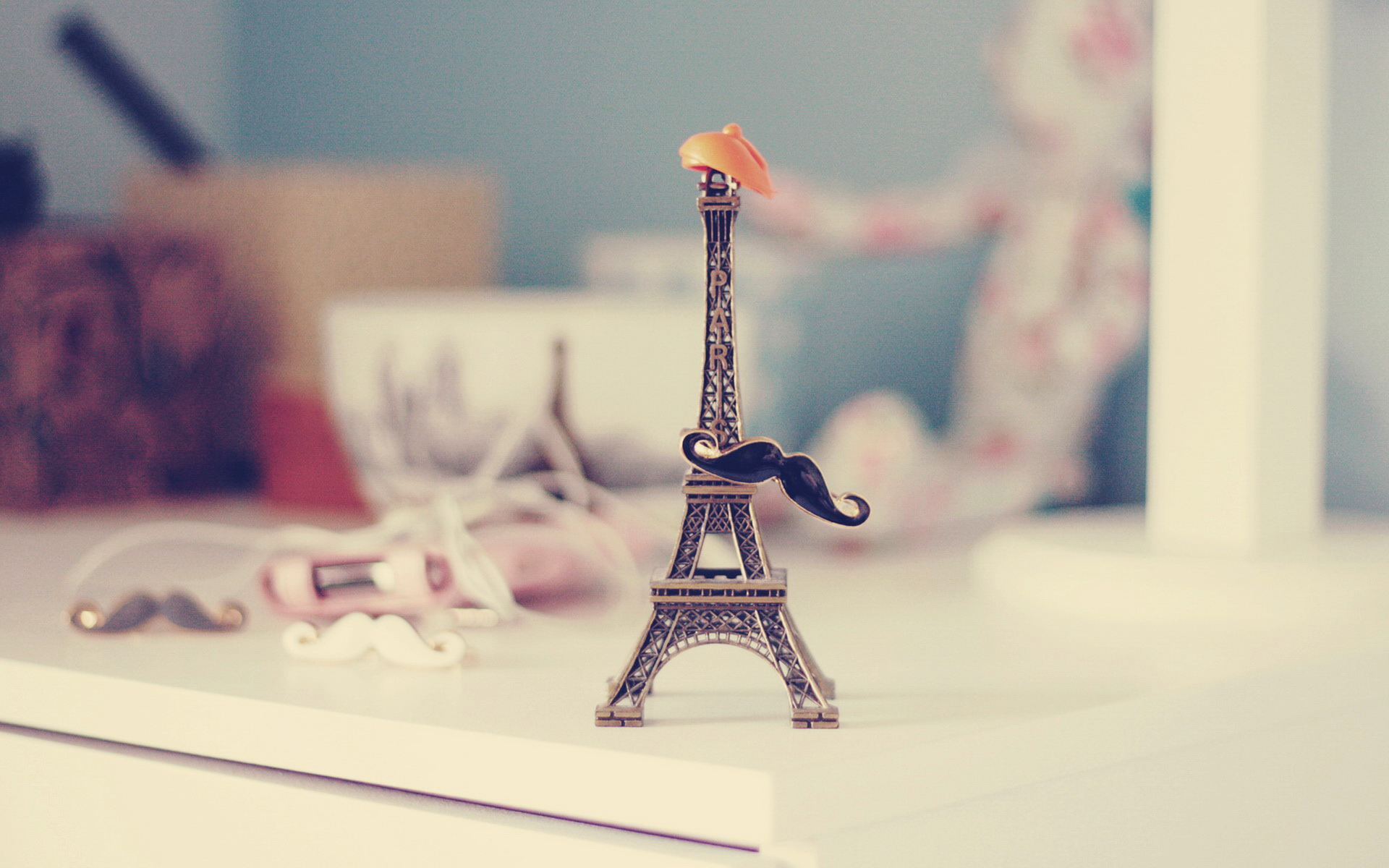 LOMO Eiffel Tower Model