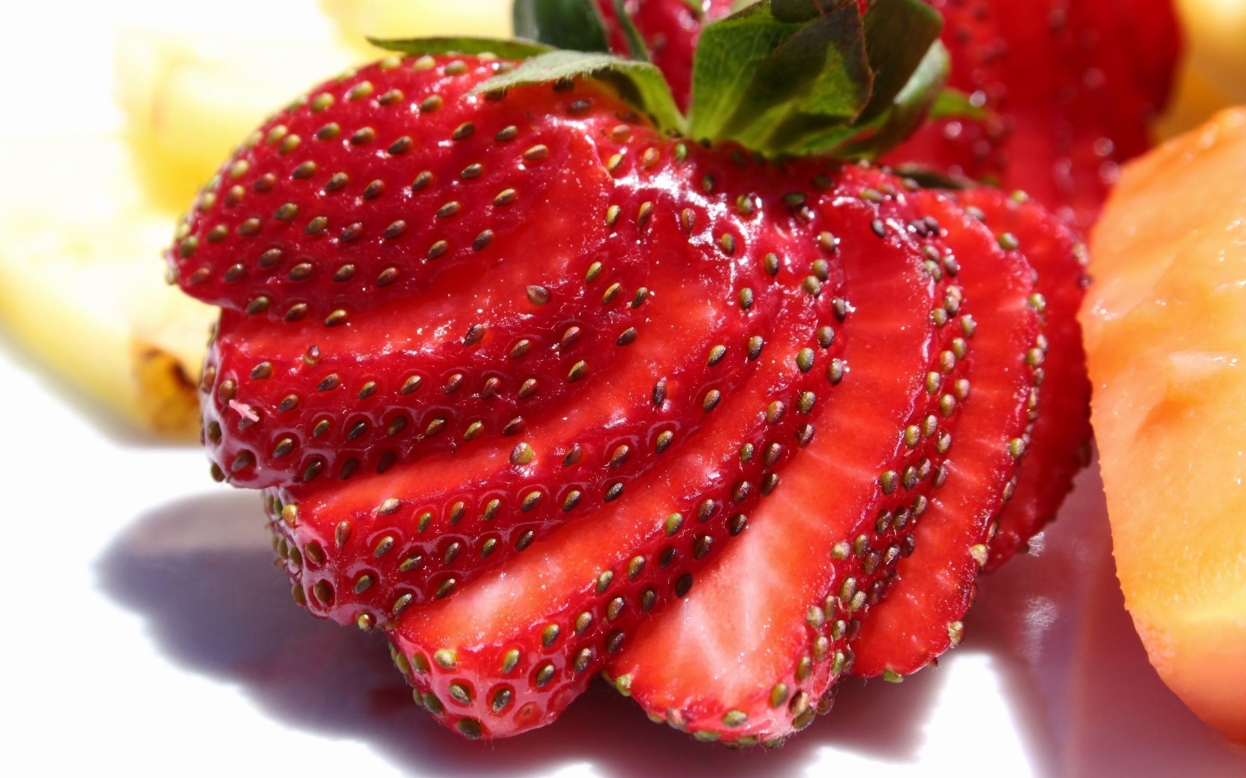 Cute Strawberries Wallpaper