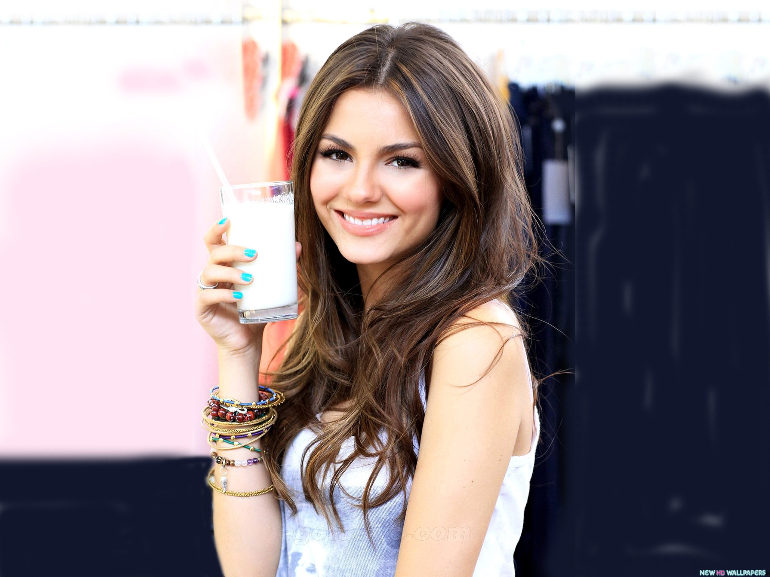 Cute Victoria Justice Wallpaper