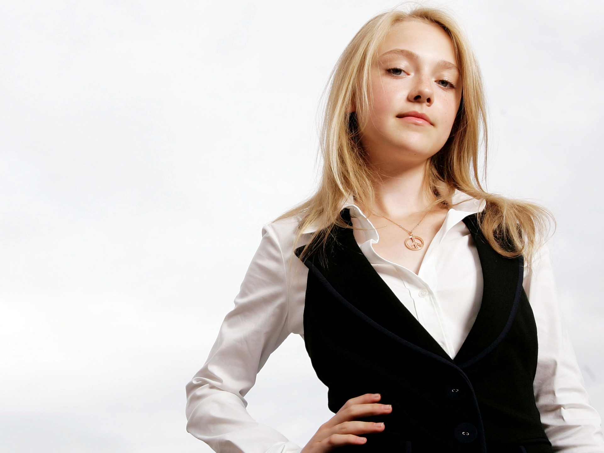 Dakota Fanning 2010 Photoshoot