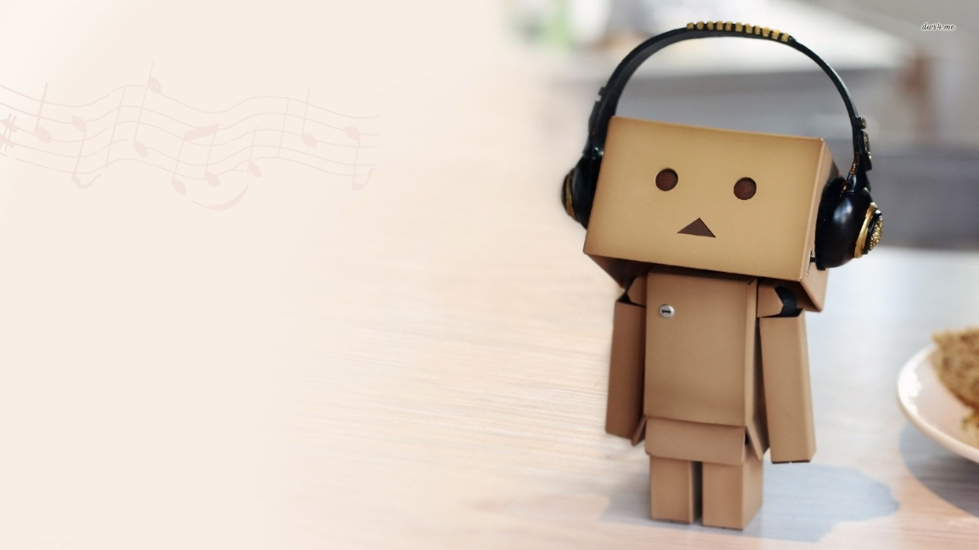 Danbo Listening Music