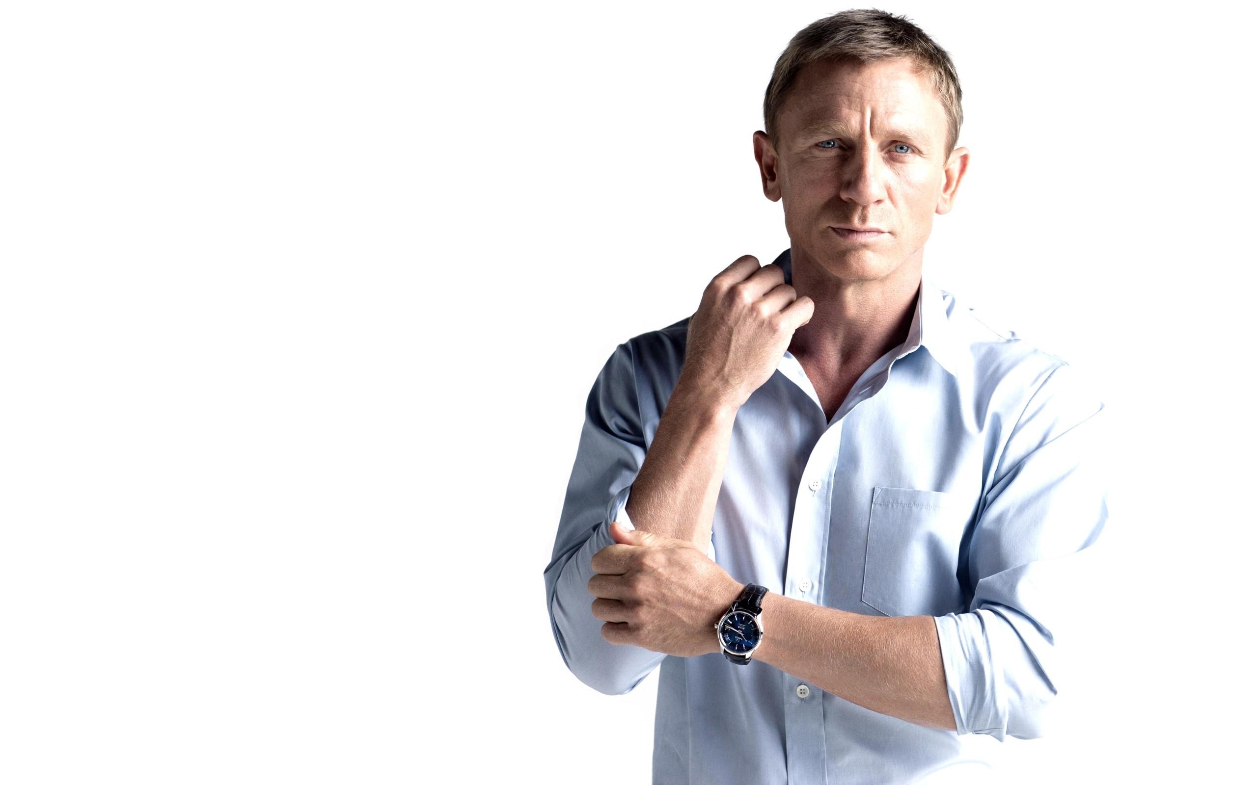 Download Wallpaper men james bond people actors daniel craig watches white background -3782-37