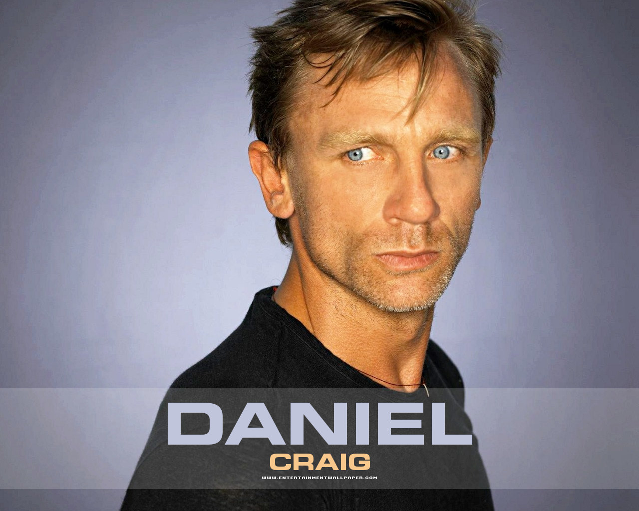 Daniel Craig cool pics ...