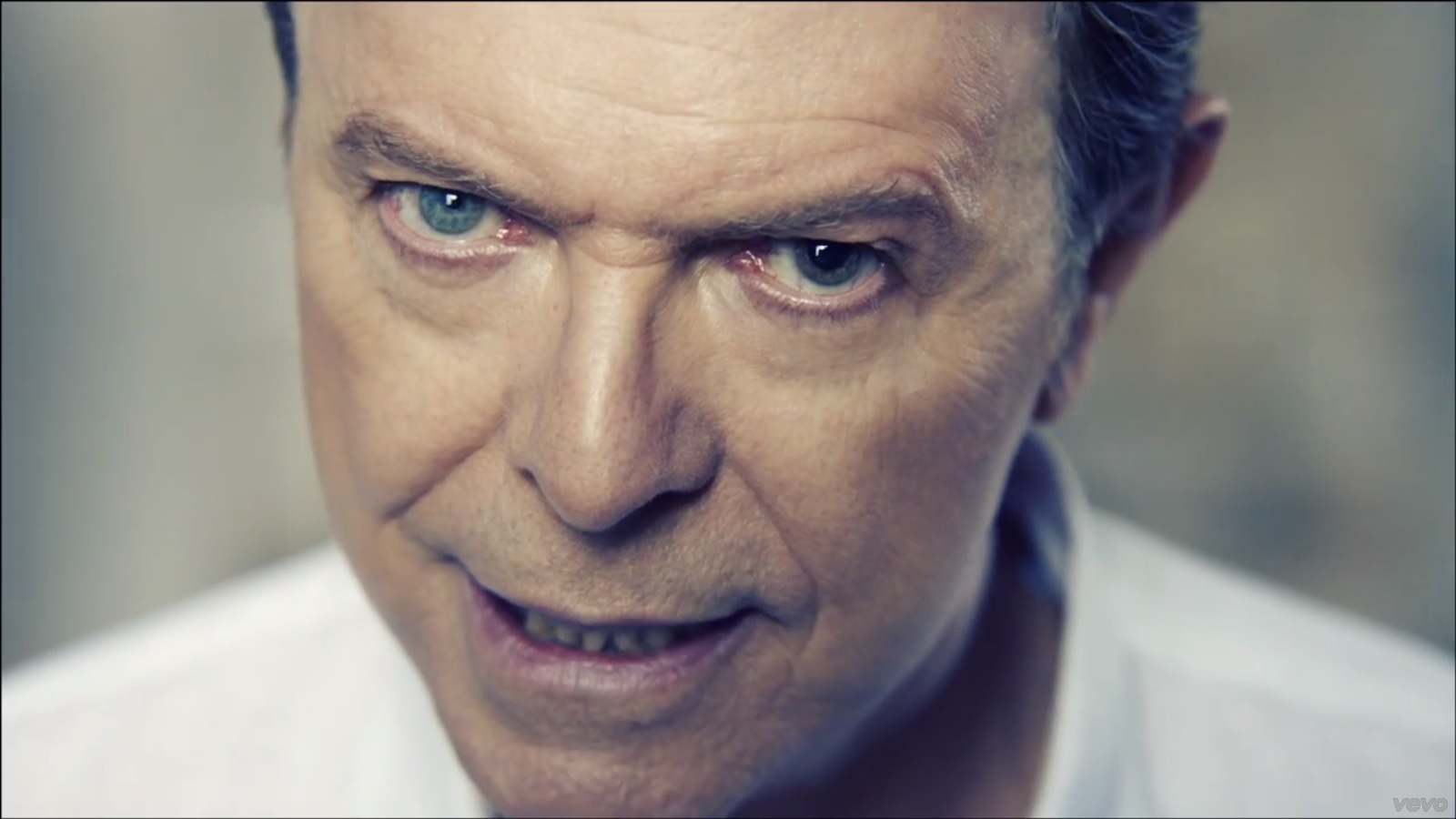 David Bowie recorded a new single this summer, and it has been played for the first time on BBC 6 Music earlier today (October 12).