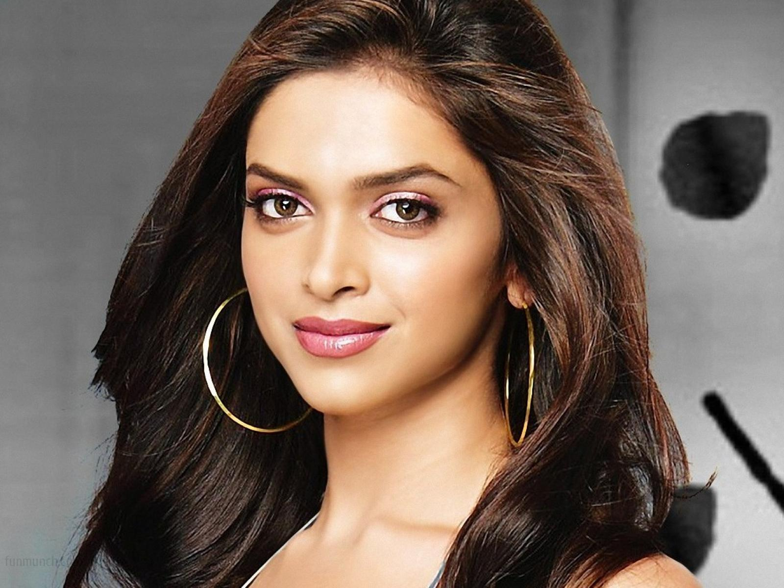 Deepika Padukone HD Wallpaper Free Download