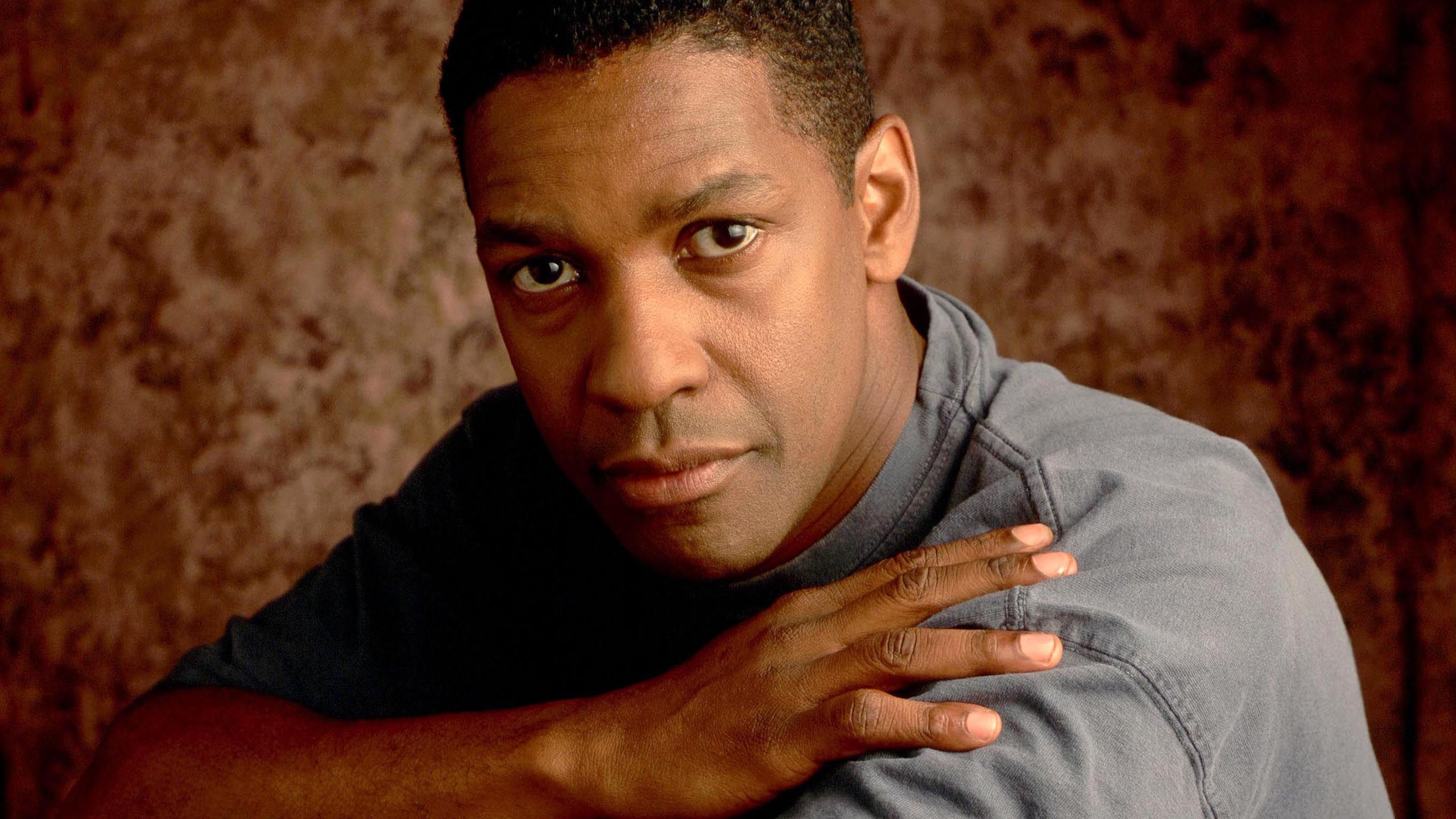 Denzel Washington Defies Hollywood- Speaks Out Against Obama Agenda