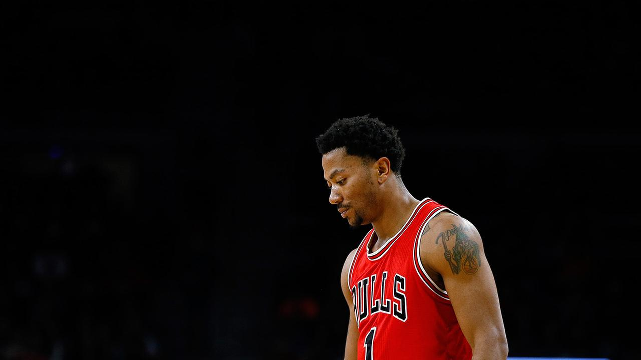 Chicago Bulls guard Derrick Rose waits during a free throw against the Detroit Pistons in the