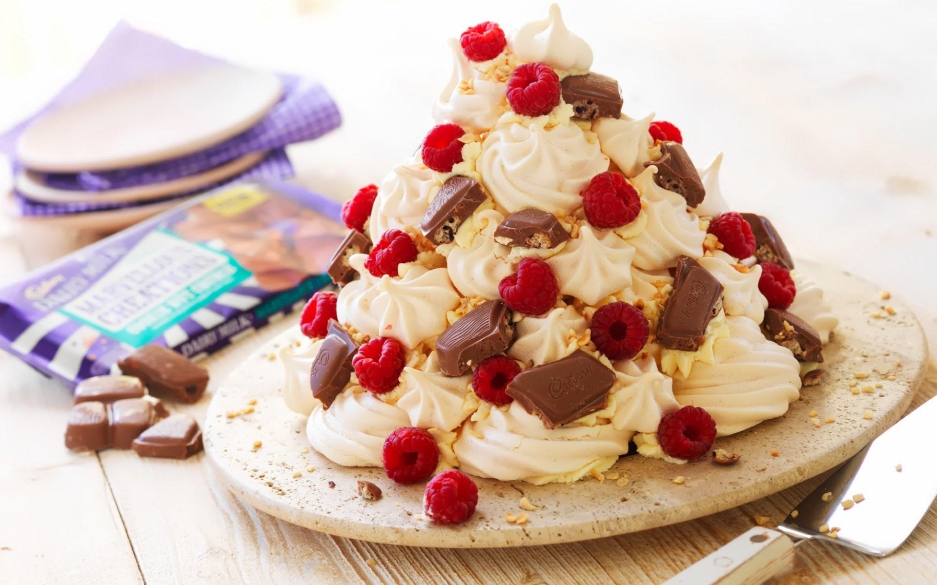 Dessert Cake Food Raspberry Cream Chocolate
