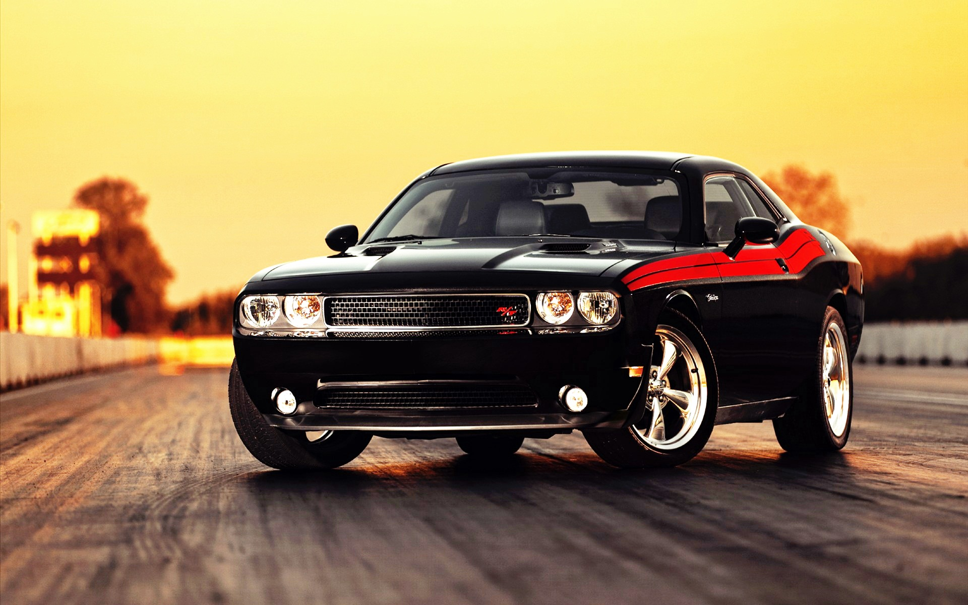 Dodge Challenger HD