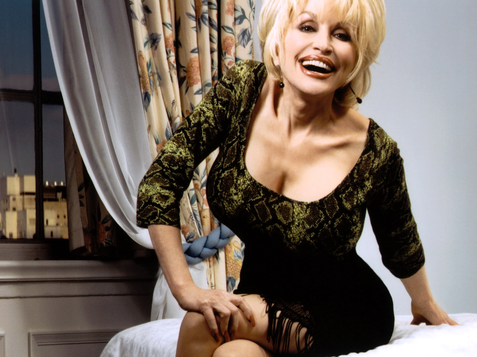 DOLLY PARTON What Are The Two Most Important Things She Has? | The Real Music Divas