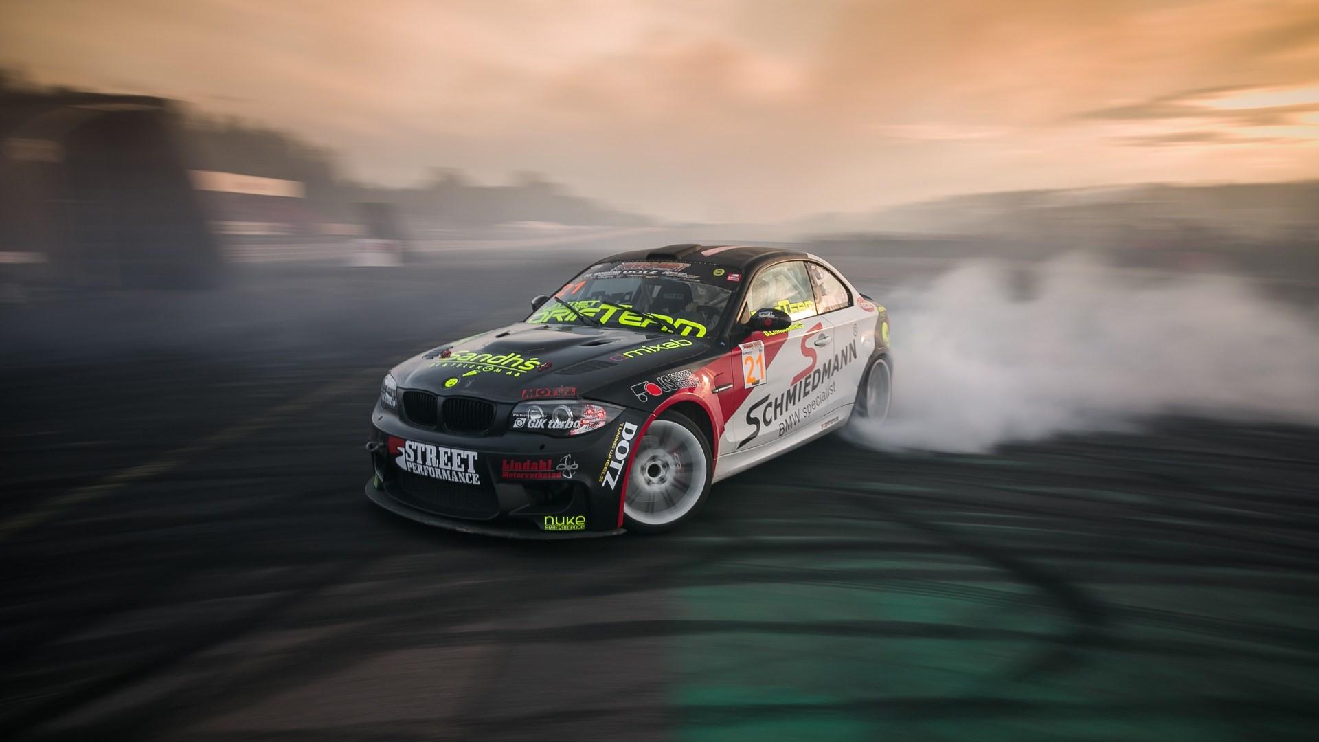 BMW M1 Drift Burnout Smoke
