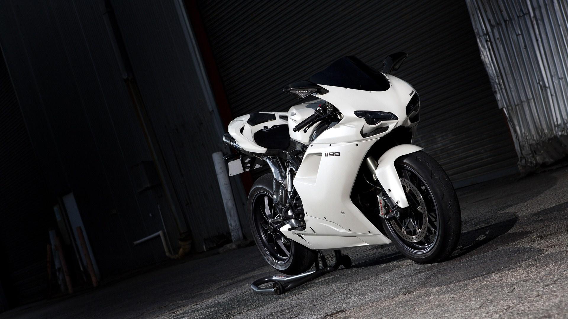 Ducati Wallpaper #11