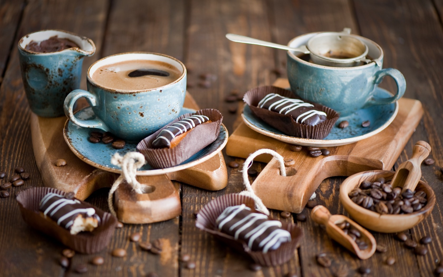 Eclairs Coffee Cups