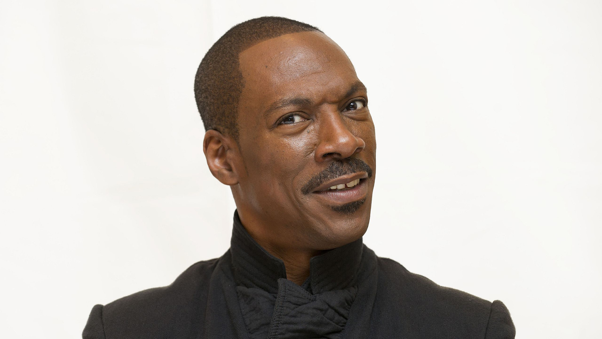 Eddie Murphy, Chris Evans, Dakota Johnson And Jennifer Lopez To Present At 87th Oscars