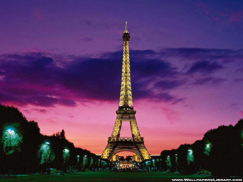 Eiffel Tower Lights Wallpaper