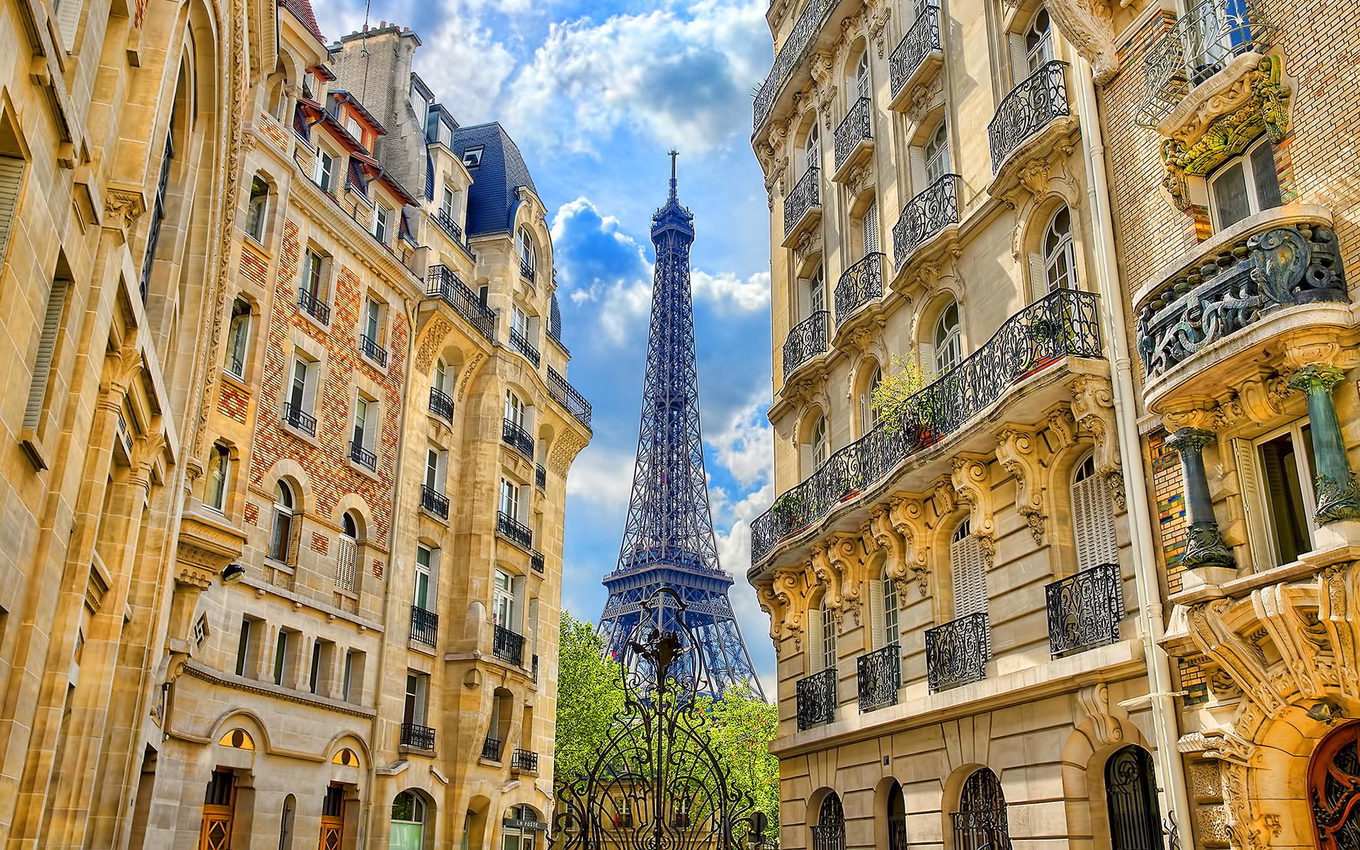Eiffel tower paris houses