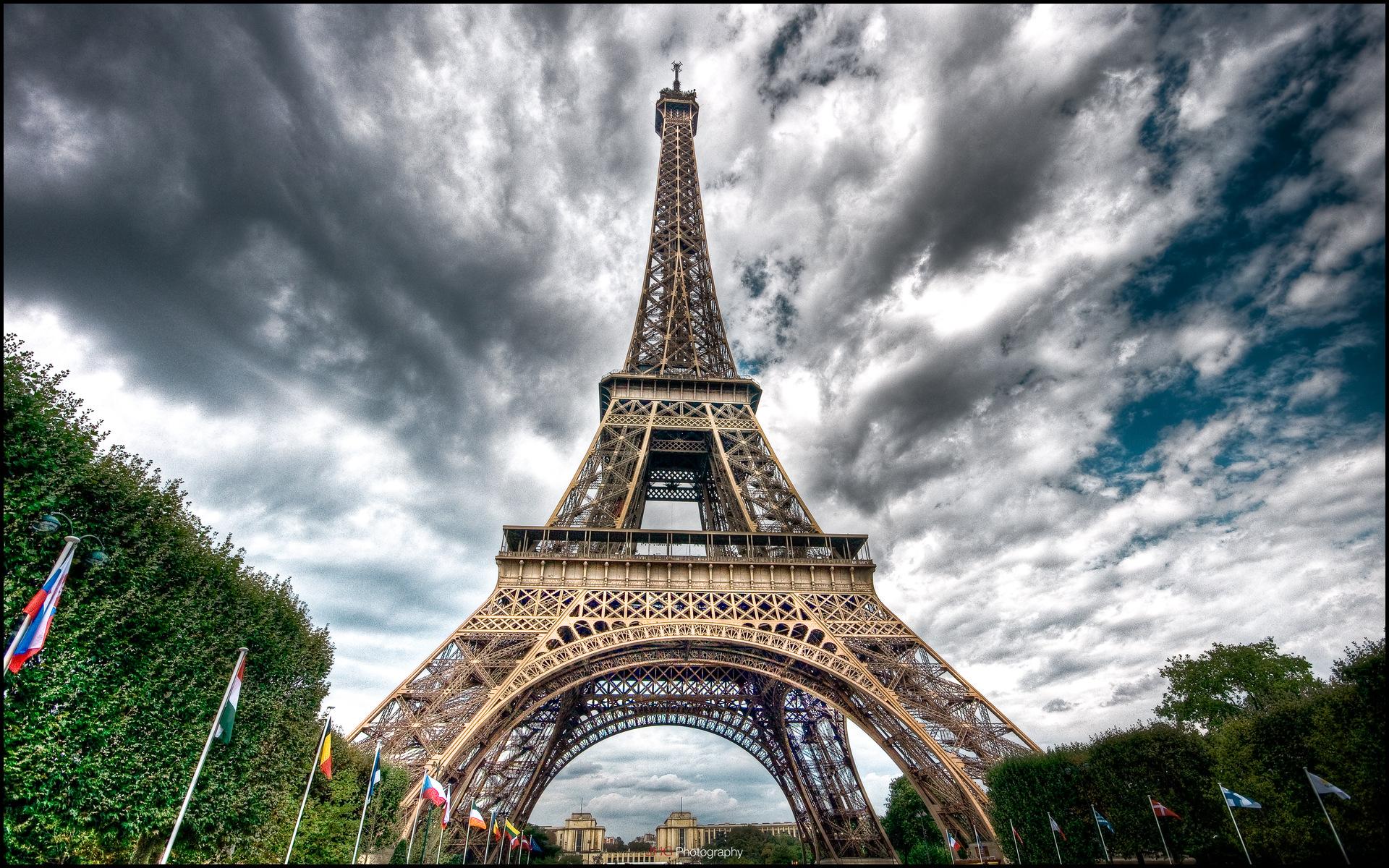 Beautiful Eiffel Tower Wallpaper