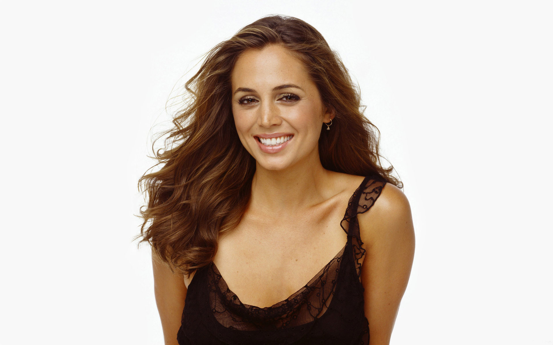 Just when you think Banshee can't get any better, Eliza Dushku signs on for Season 4