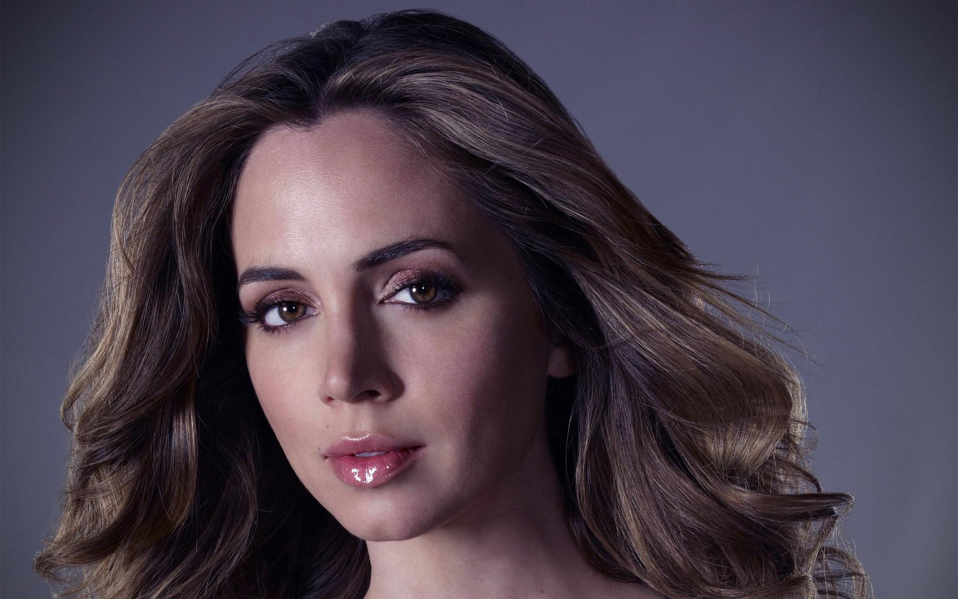... Eliza Dushku Portrait HD Walpapers.