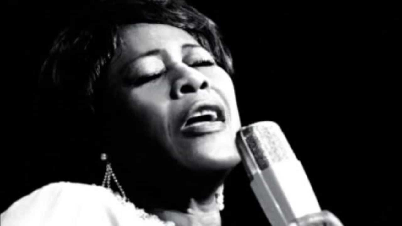Ella Fitzgerald - I've got a crush on you (Lyrics)