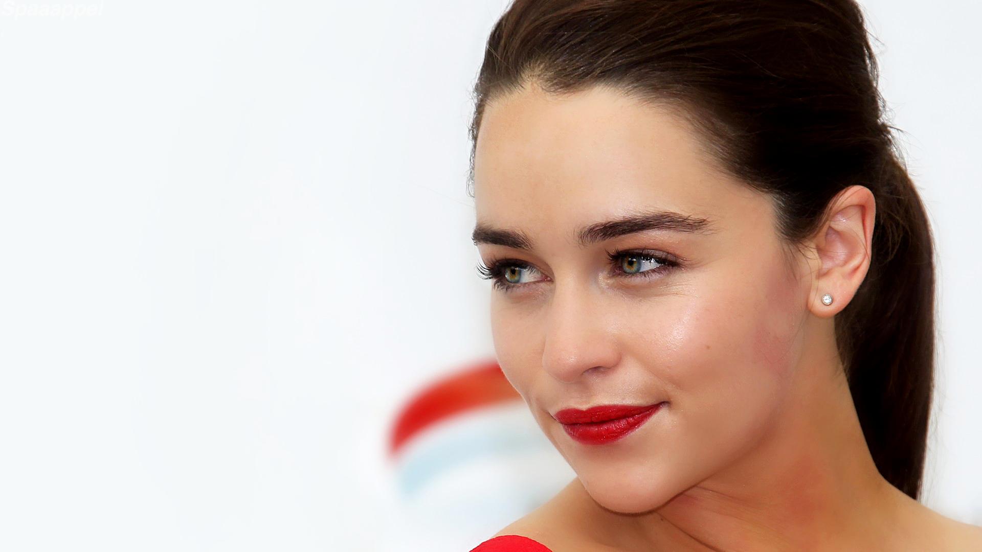 Emilia-Clarke-lips