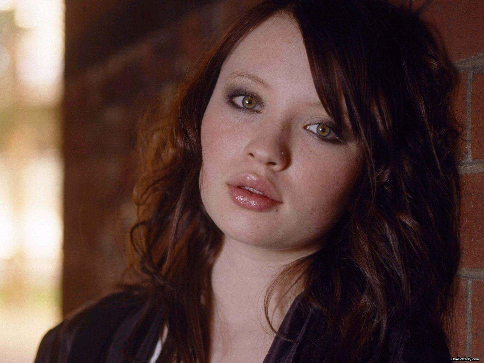 Emily Browning has natural big and perfect shaped lips