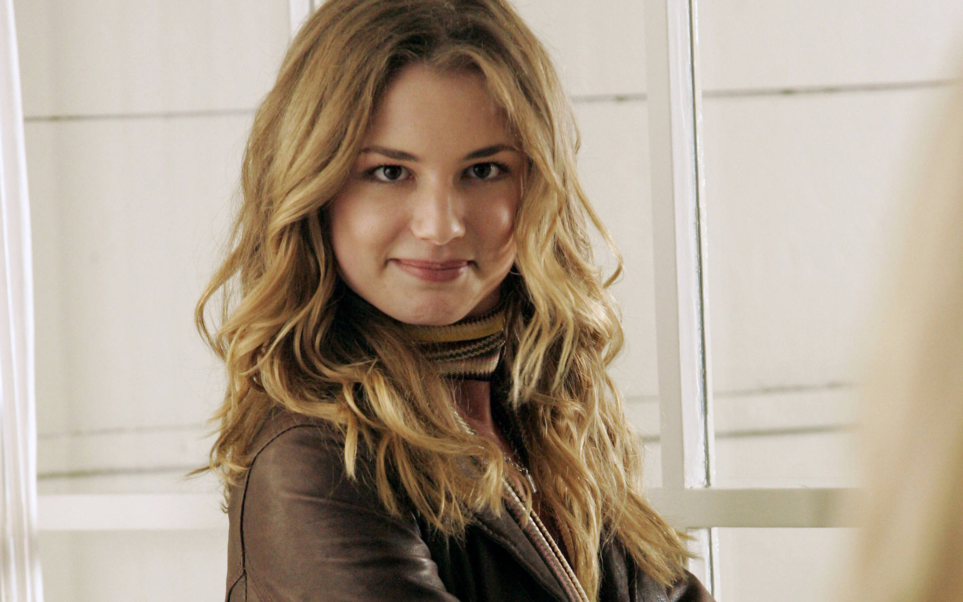 Emily VanCamp HD Wallpapers-6