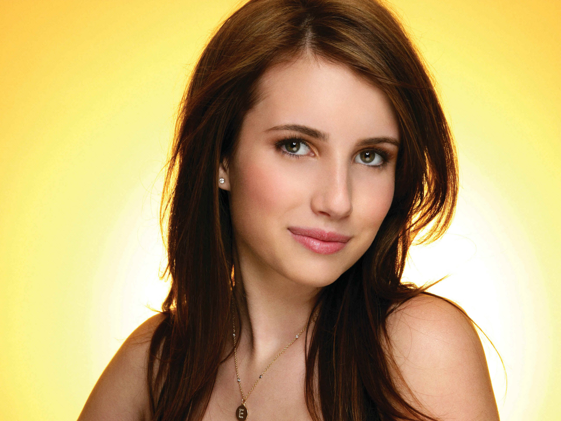Emma Roberts Hotel For Dogs Shoot HD