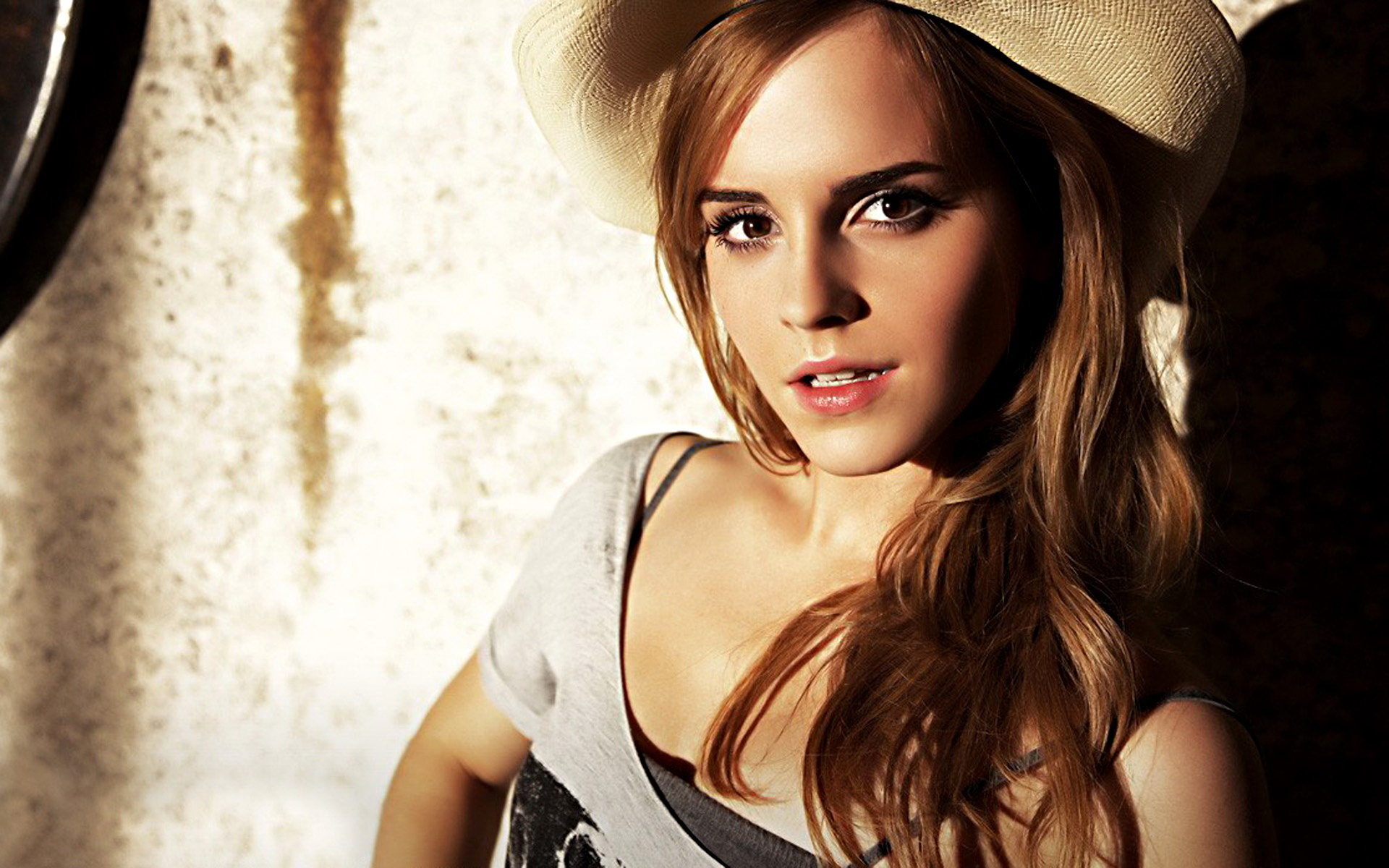 attractive emma watson hd wallpapers cool desktop widescreen background images