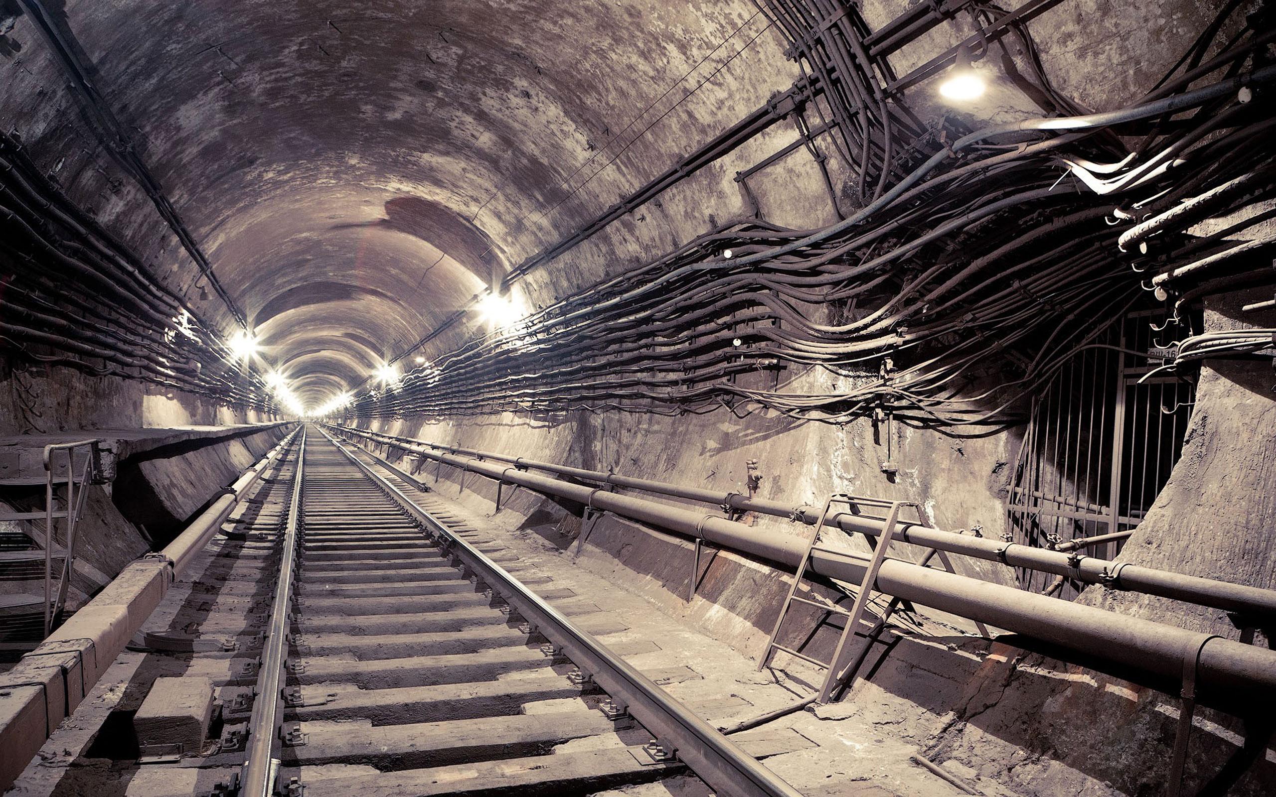 Endless Subway Tunnel