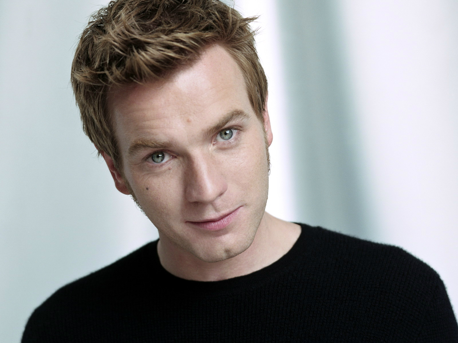 Ewan Mcgregor photos ...
