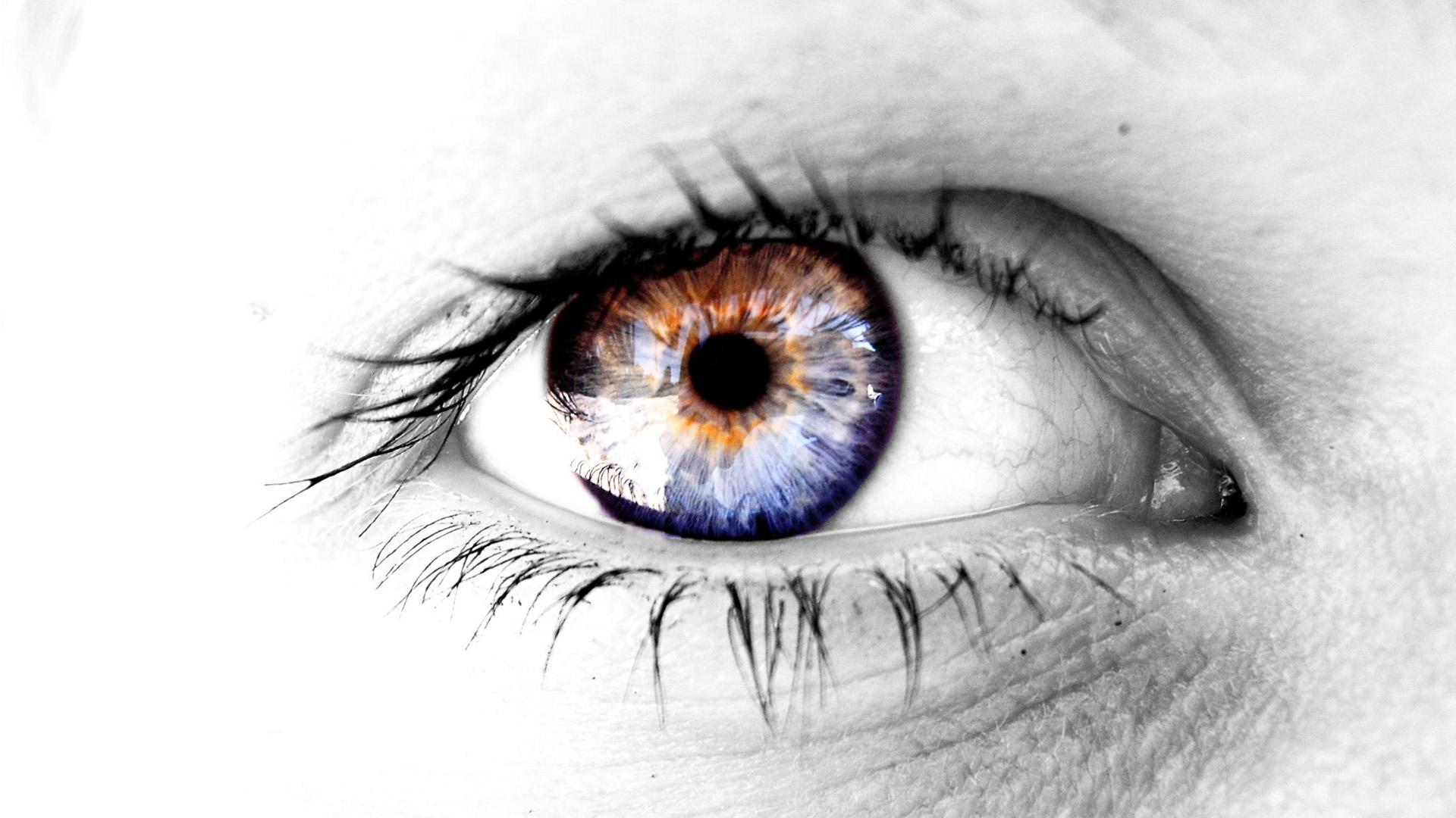 Strange Eyes HD 1080p
