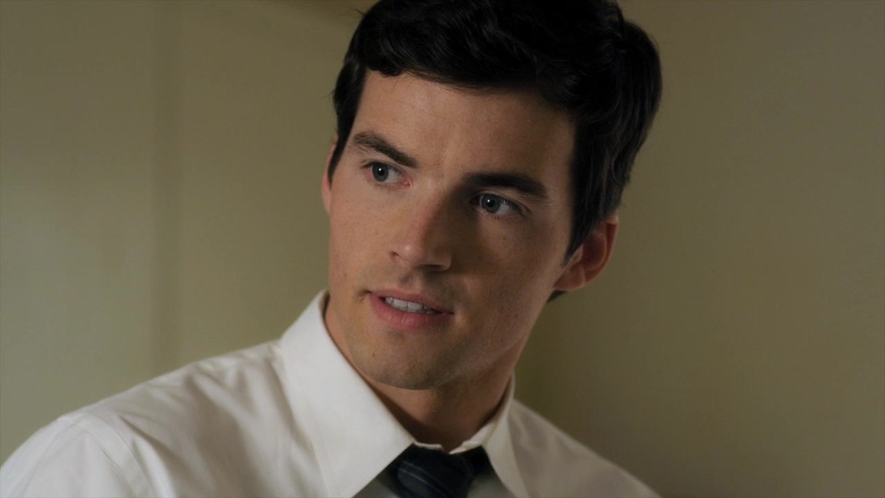 Ezra Pretty Little Liars