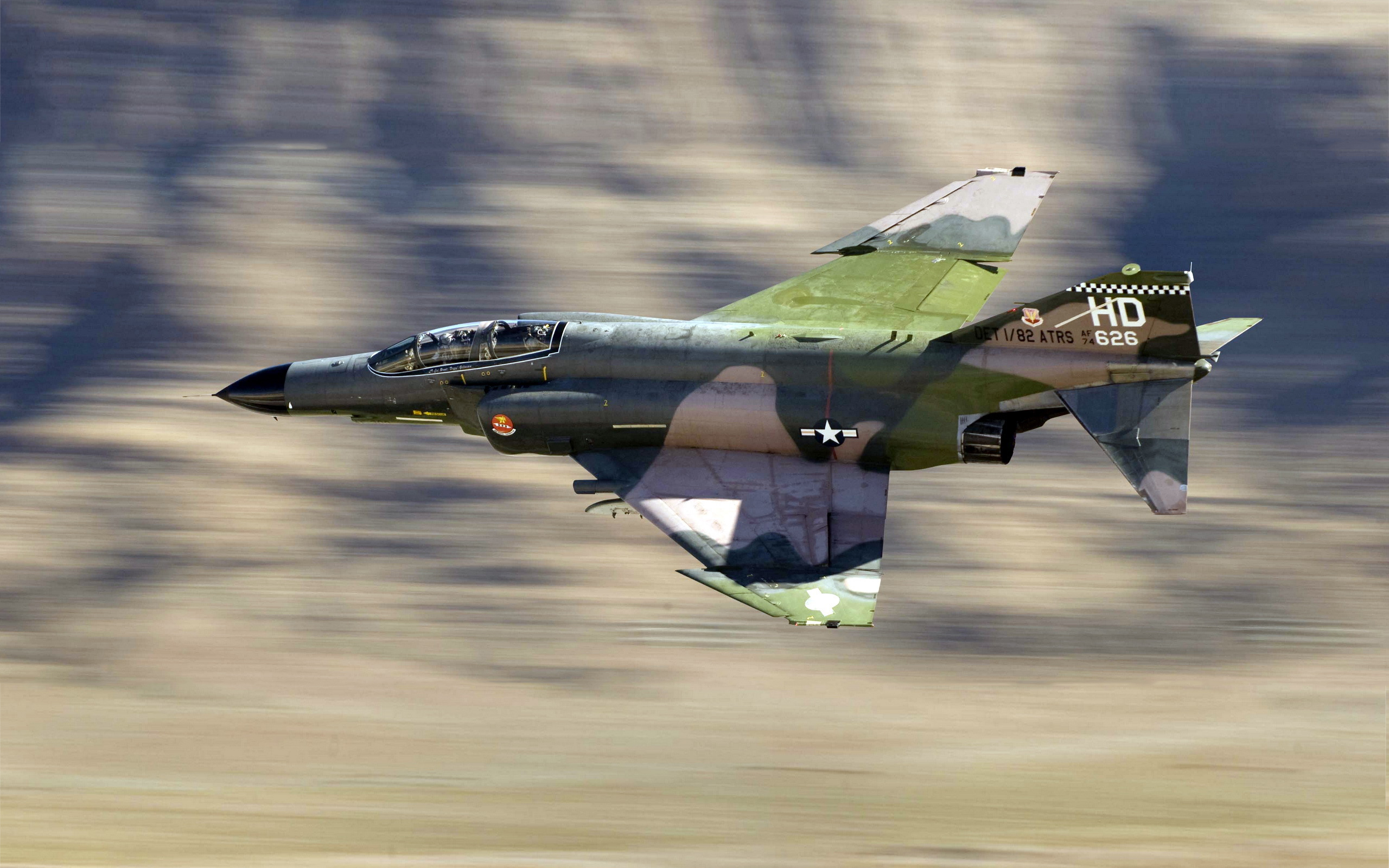 F4 jet fighter