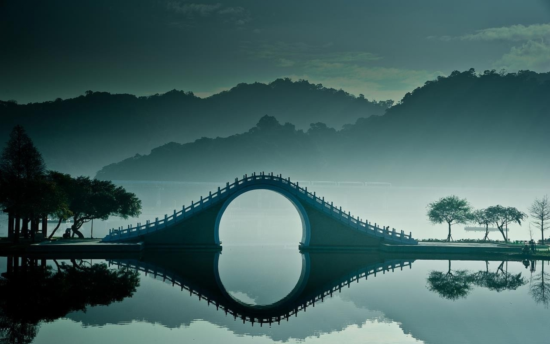 Fantastic Bridge On Misty Lake HD wallpapers